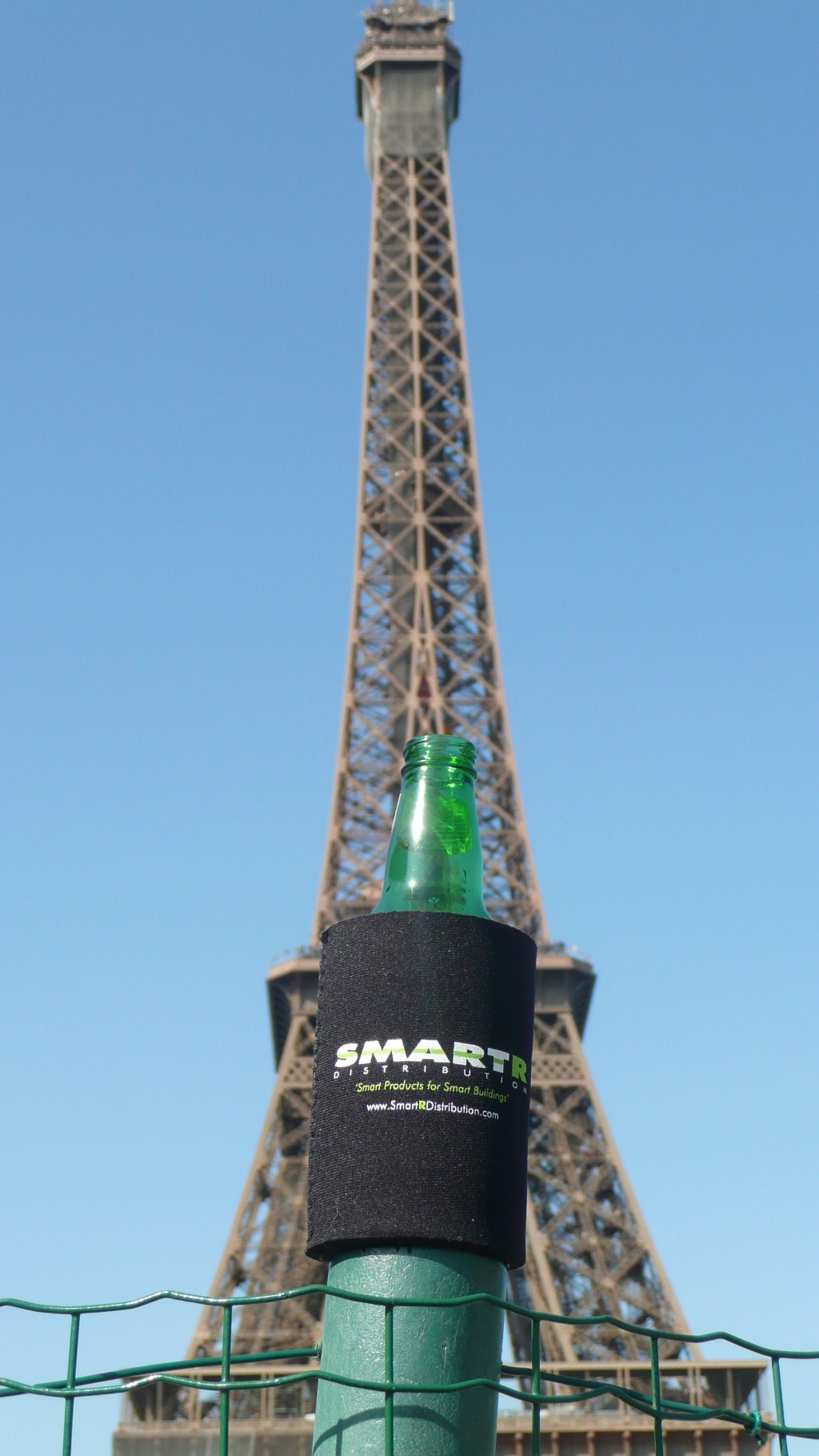 Eiffel koozie